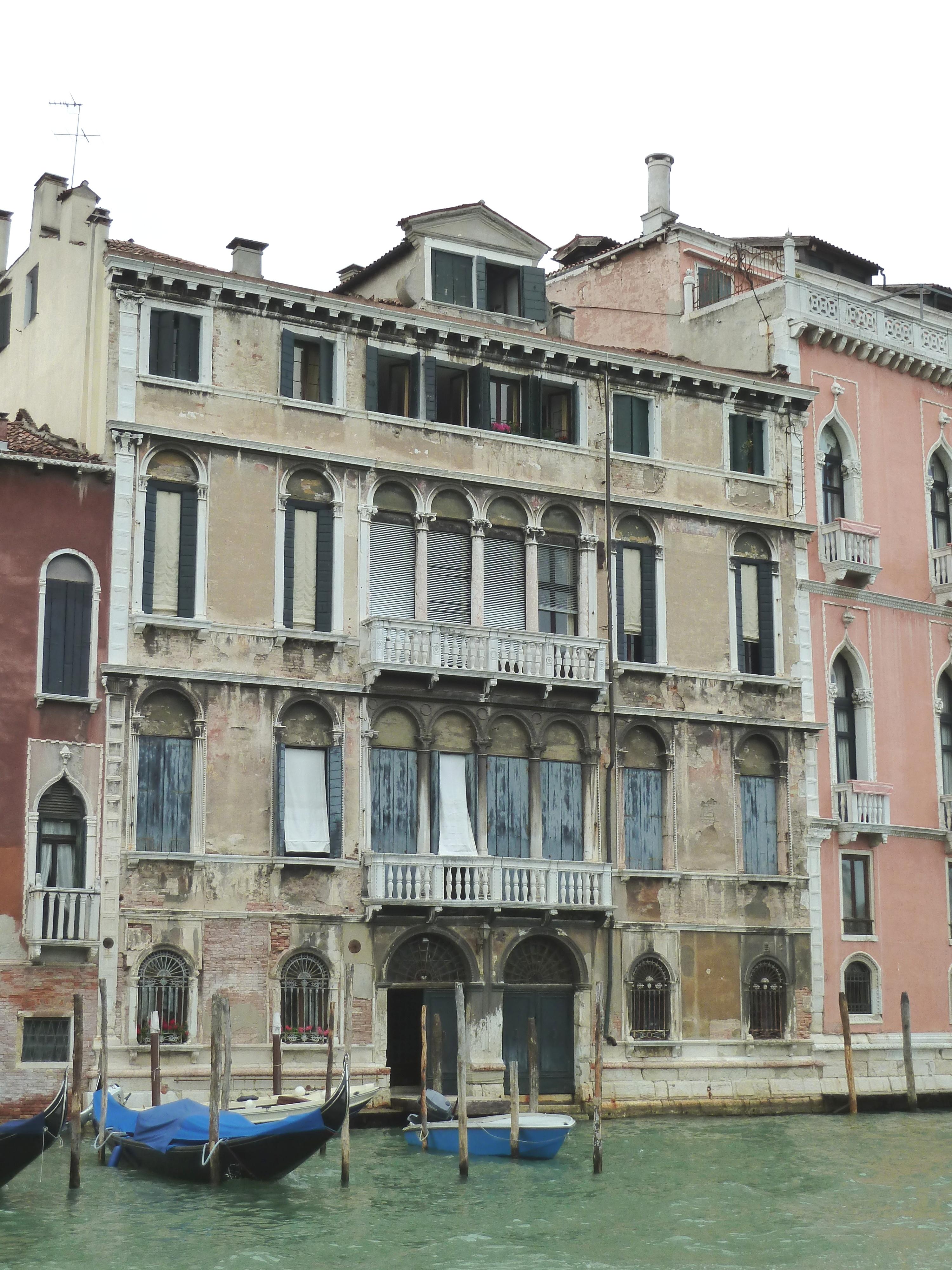 Palazzo_Tiepolo_Passi_gran_canal_san_polo